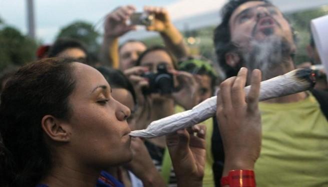 Fumar hierba con el Vapormax V2